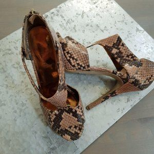 Nine West Snakeskin Polman Sandals Size 6.5M